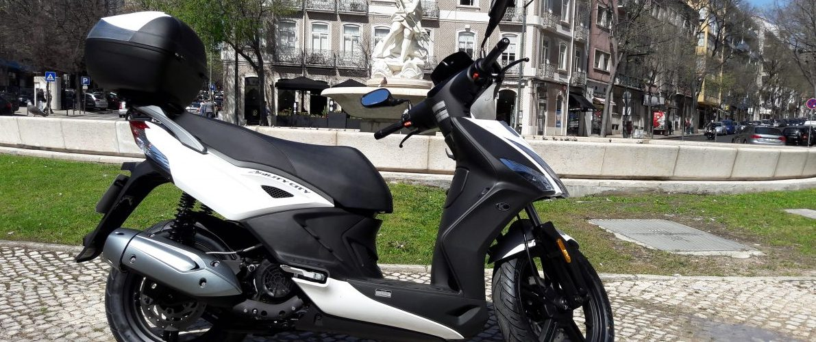Location de scooters Lisbonne Kymco Agility City Top Case 125cc 2017