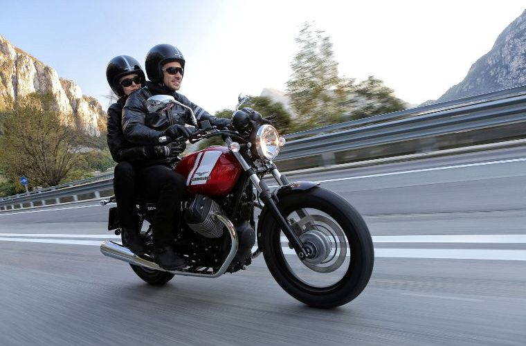 Rent a motrocycle MOTO GUZZI V7 II Special 750i ABS in Lisbon - Portugal - at RentRiders