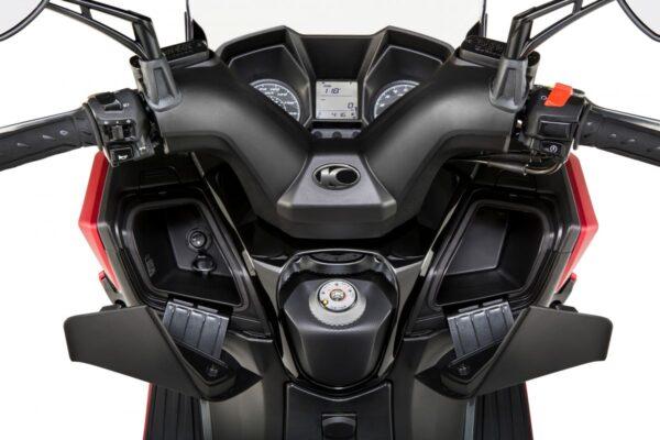 Kymco Super Dink 350cc - Carregador USB